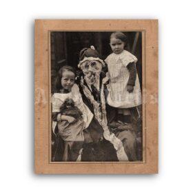 Printable Creepy Santa Claus with children - vintage Christmas photo - vintage print poster